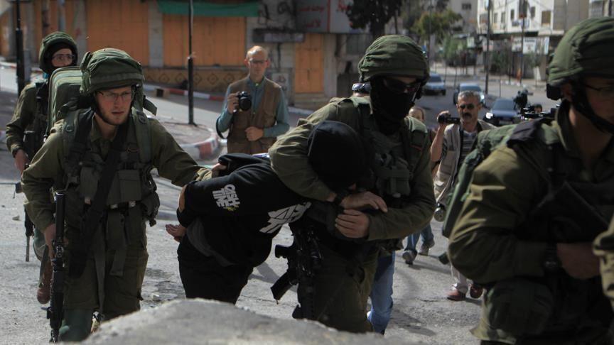 İsrail, Batı Şeria baskınlarında 8 Filistinli düzenledi